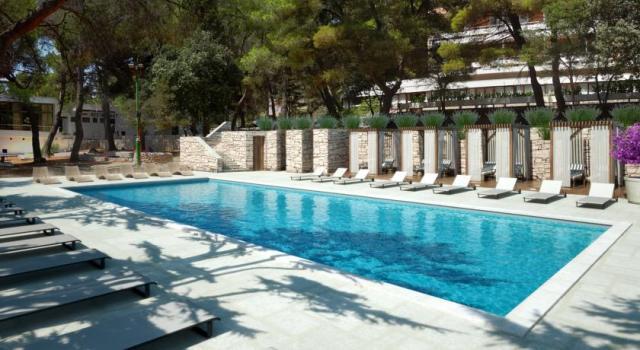 Basen Hotel Adriatyk•Vrboska•Chorwacja last minute