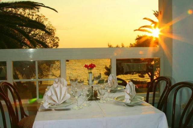 Widok z restauracji hotelu Laguna • Gradac