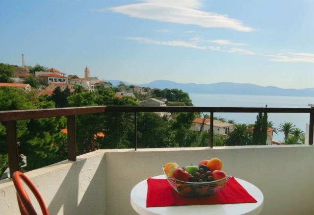 Widok z balkonu hotelu Laguna • Gradac
